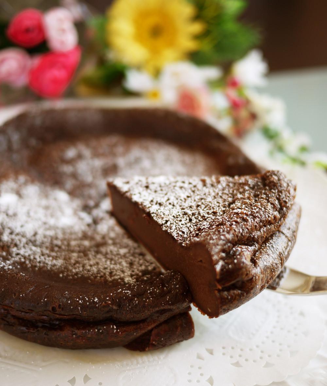 ホワイトデーのケーキはガトーショコラ