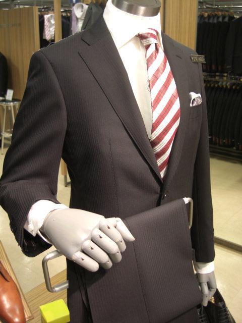 入社式でつけるべきネクタイ。シマシマ柄
