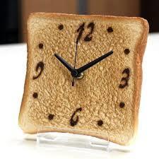 インテリアとしての置時計。トースト型時計
