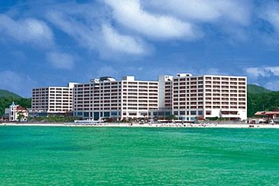 沖縄旅行の費用はリザンシーパークホテル