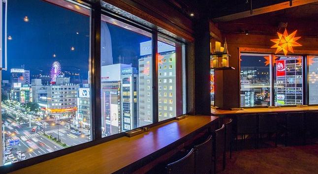 札幌の夜の観光は夜景の見えるバー