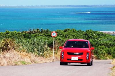 沖縄のレンタカーを格安で借りる方法はツアー