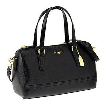 女性の通勤用のバッグの人気商品はコーチ