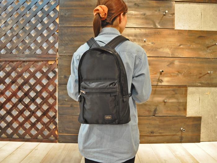 女性の通勤用のバッグの人気商品はポーター