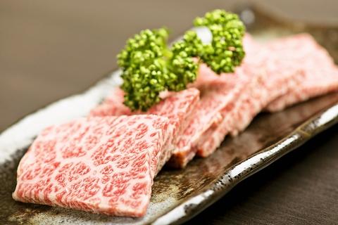 石垣島の人気グルメランキングは炭火焼肉 やまもと