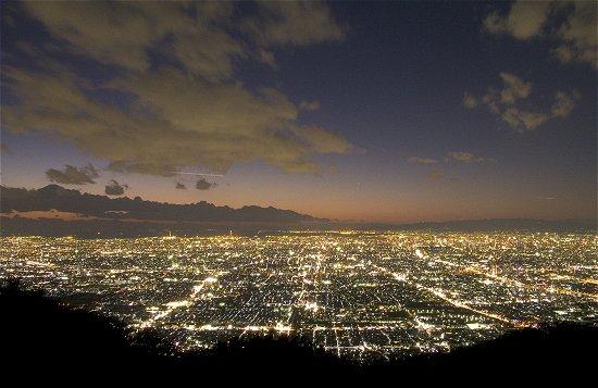 暗峠の夜景は凄くきれいだが心霊スポットみたい