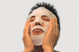 男のスキンケアはシートマスク