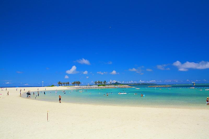 沖縄県中部の2016年の海開きの予定日