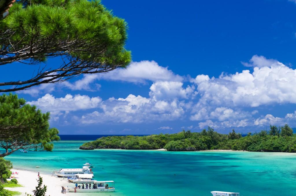 石垣島の観光スポットは川平湾