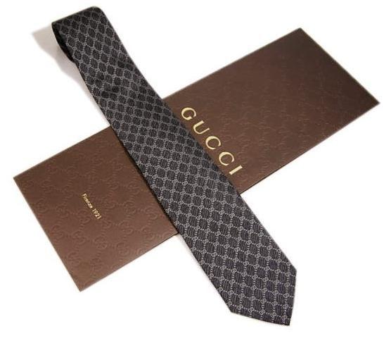 男性にプレゼントすべきブランドネクタイはグッチ