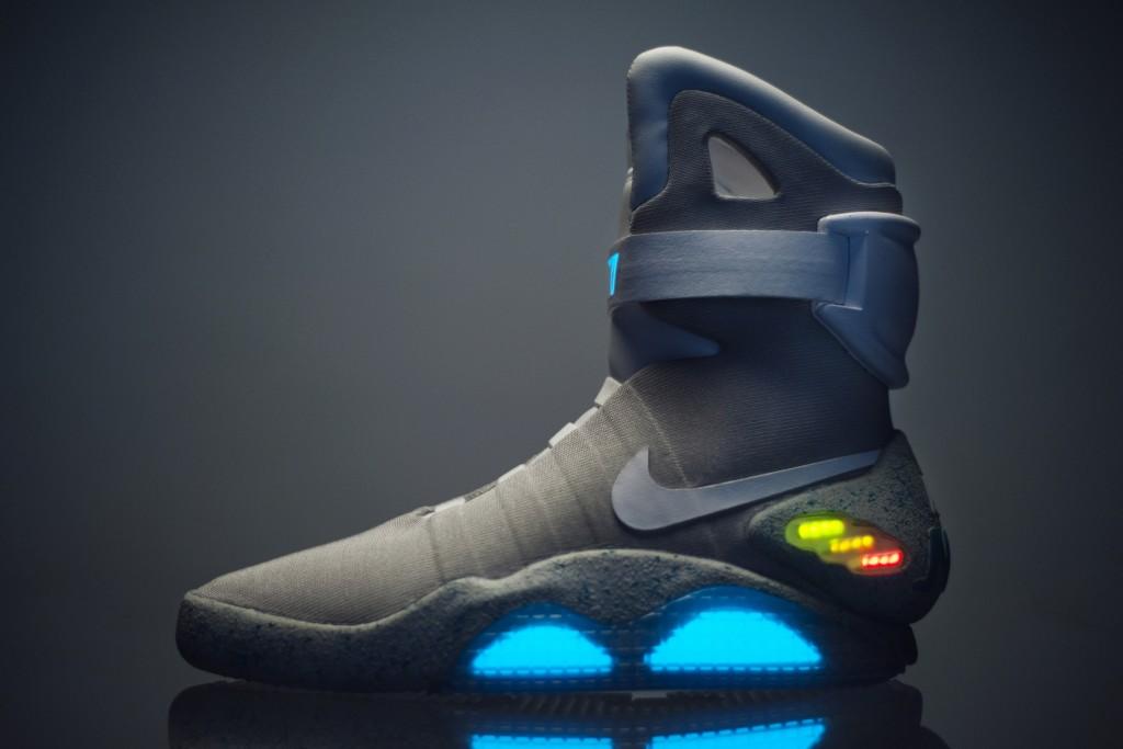 Nikeの自動靴紐調整シューズのNike Mag