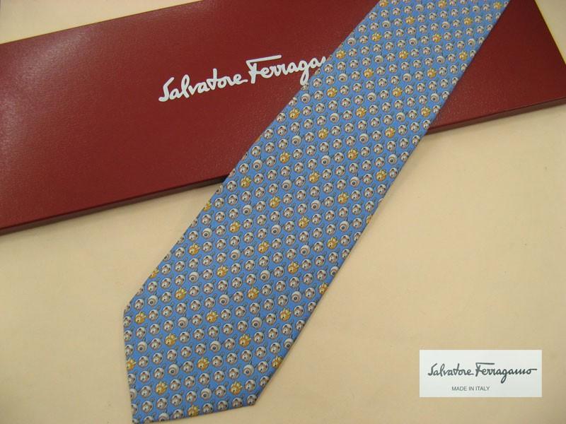 男性にプレゼントすべきブランドネクタイはフェラガモ