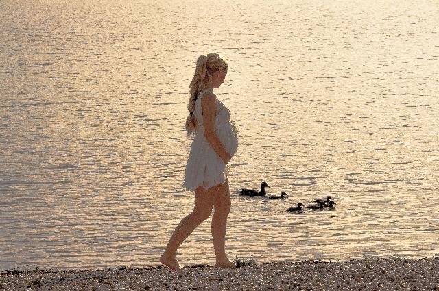 妊娠初期の腰痛は流産の可能性もある。
