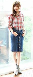 チェックシャツ×デニムスカート